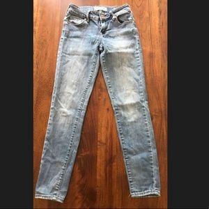 Bullhead Low Rise Skinniest Jean